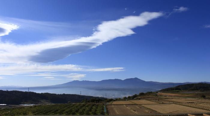 みるみる移りゆく、天空に描かれた雲